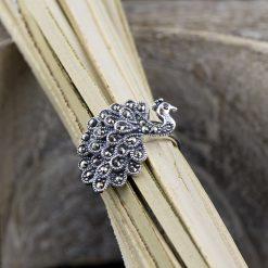 Inel din argint, cu marcasite.  Produs