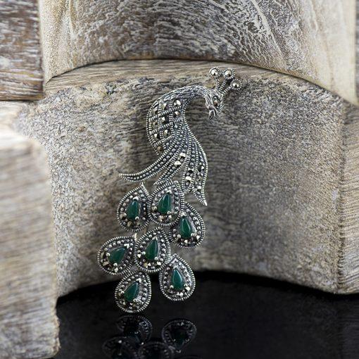 Brosa paun, din argint, cu marcasite si crisopraz