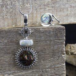 Pandantiv din argint, cu scoica si perla  Produs