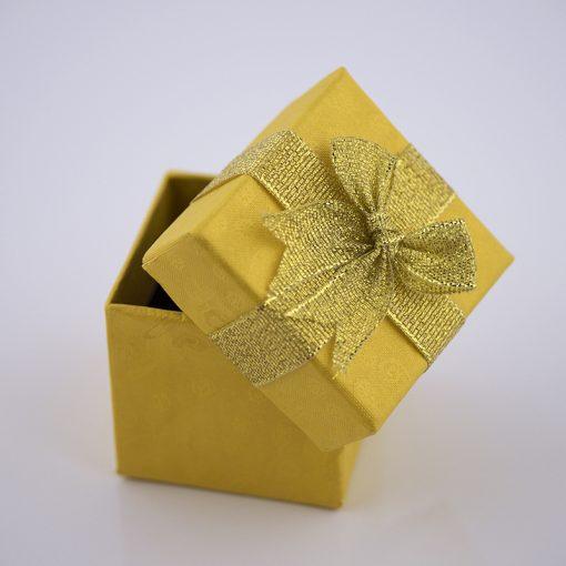 Cutie cadou cubica diverse culori  Produs