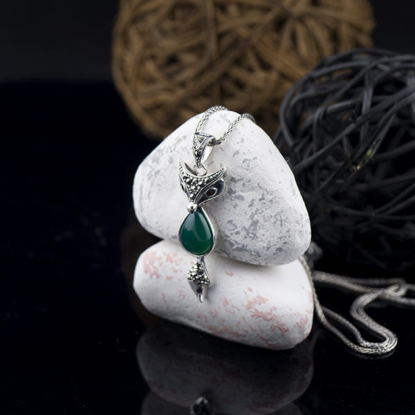 Pandantiv din argint cu crisopraz, marcasite si rubin