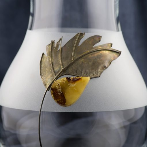 Vaza cu chihlimbar si argint.  Produs