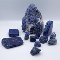 Lapis lazuli si sodalit